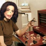 Michael Jackson shows us his noses and eyes